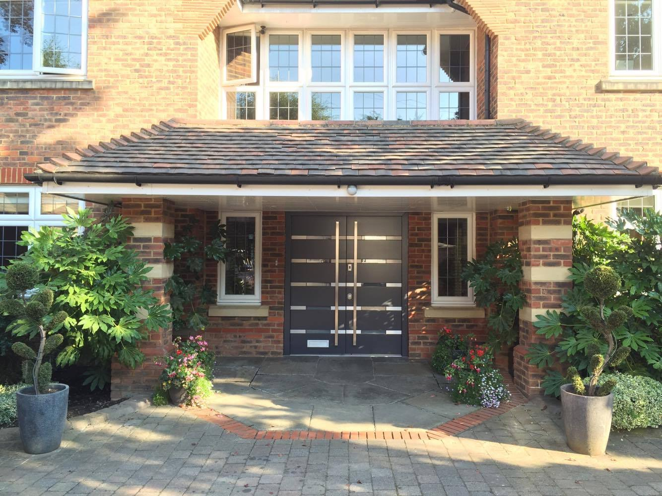 Fort Security Contemporary Front Entrance With Horizontal Glazed Glass